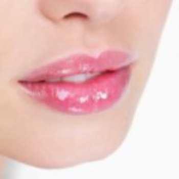 Уход за кожей вокруг губ
