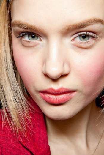 Мастер-класс: розовый макияж горнолыжницы от Michael Kors