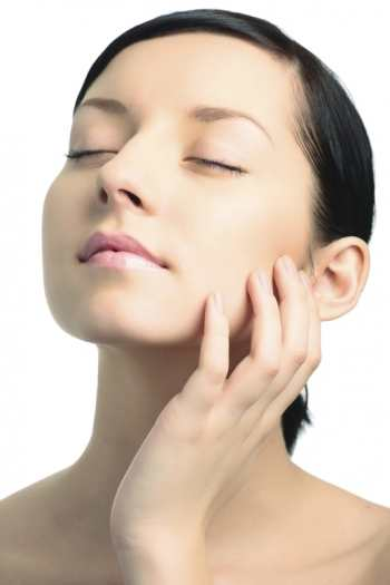 Как справиться с различными проблемами кожи за одну минуту